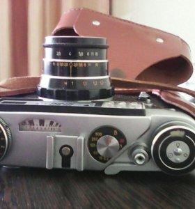 Фотоаппарат и лаборатория для проявки и печати
