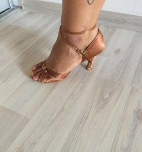 Туфли для бальных танцев