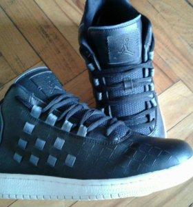 Продам кроссовки Nike Air Jordan