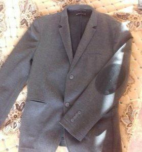 Новый стильный мужской пиджак
