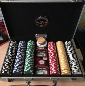 Набор для покера в кейсе на 300 штук
