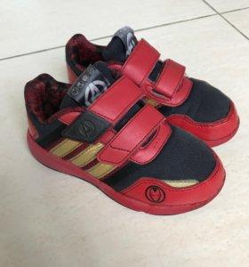 Кроссовки adidas Адидас