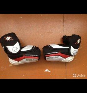 Продаю хоккейные налокотники Easton Synergy EQ50