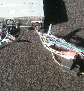 Магнитола Prology DVU-710 со строенным монитором.
