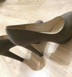Туфли CMLT 40р-р темно-бежевые