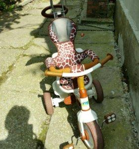 Велосипед детский с ручкой.