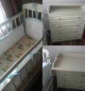 Кроватка-маятник и комод