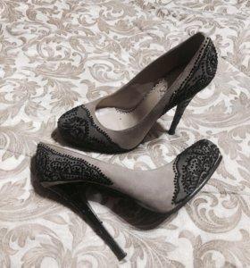 Туфли,с выставки,в очень хорошем состоянии