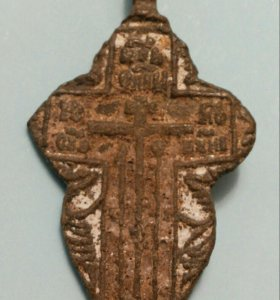 Нательный крест в эмалях