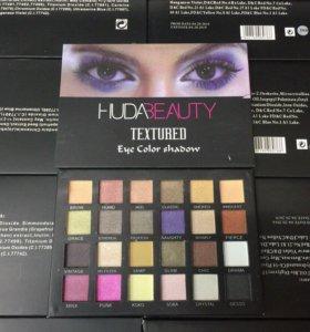 Тени Huda Beauty