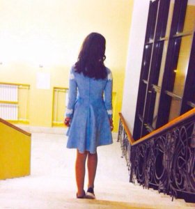 Платье бархатное ,в отличном состоянии