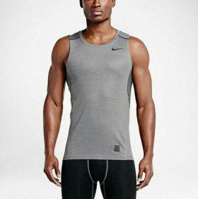Майка Nike DriFit для тренинга.