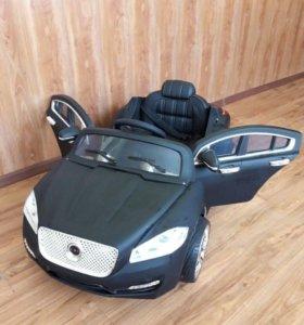 Детский электромобиль.