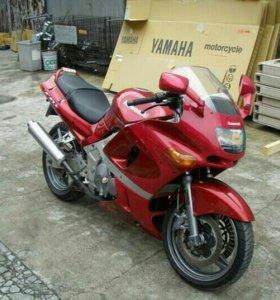 В разбор мотоцикл Kawasaki zzr 400 2