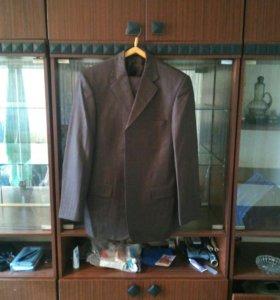 Костюм (пиджак + брюки). Торг уместен
