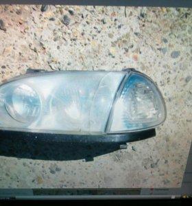 Фара передняя левая на Toyota Caldina.
