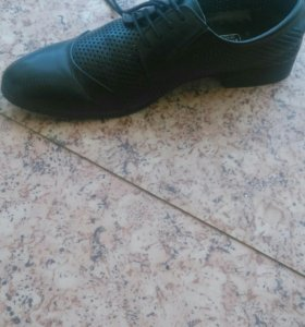 Мужские две пары обуви
