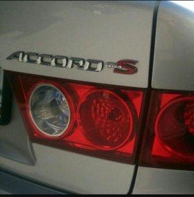 Задняя правая фара в крышку багажника от Accord