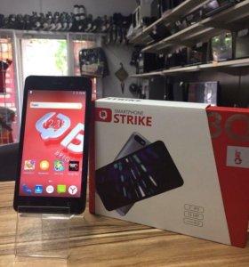 Мобильный телефон BQ Strike.