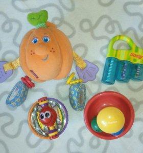 Игрушки и развивашки для малышей