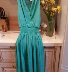 Платье новое xs-s размер.