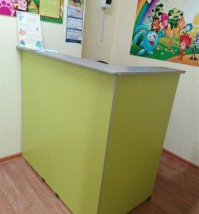 Стол письменный со стойкой ресепшен