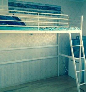 Кровать(в хорошем состоянии)