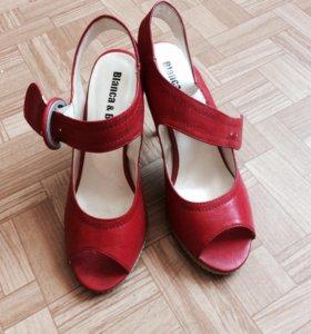 Босоножки, туфли красные 38 р