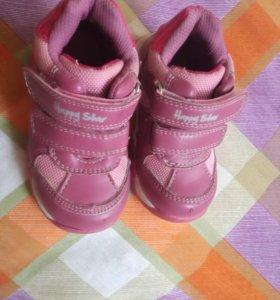 Ботинки кроссовки для девочек