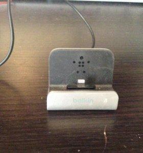 Зарядка для iPhone, iPod touch , iPad belkin