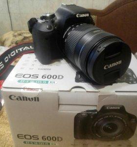 Фотоаппарат Canon 600 D новый + память на 64 гб