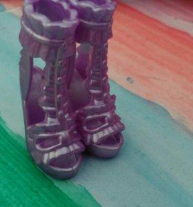 Обувь для кукол.