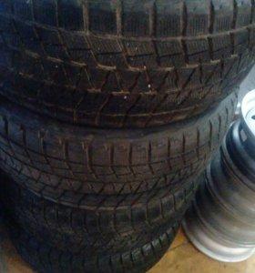 275 45 R20 Bridgestone 4 штук резина
