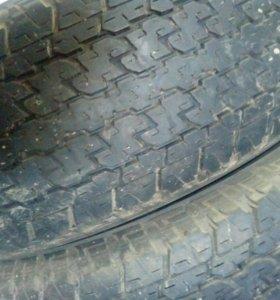 255 70 R15 Bridgestone 4 штук резина
