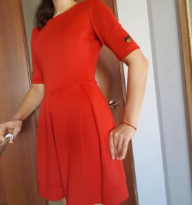 очаровательное платье в идеальном состоянии