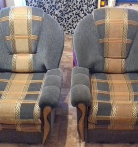 2 кресла  кровать. за 3000т.р. срочно. Выдвижные.