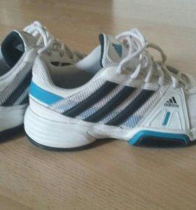 Фирминные кроссовки Adidas