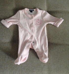Костюмчики для новорожденных 43-50см