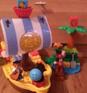 Конструктор дупло, капитан крюк и корабль