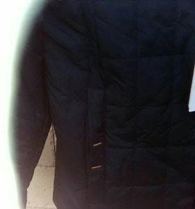 Продам мужскую новую стегонную куртку