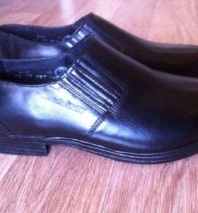 Натуральная кожа,новые мужские ботинки, р40