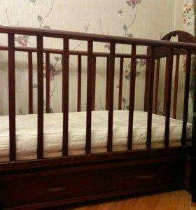 Детская кроватка + матрас 110х60