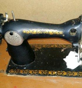 Швейная машинка МНЛЗ