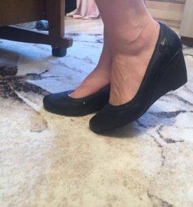 Новые туфли 41 р