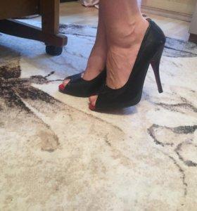 Новые туфли 40 р