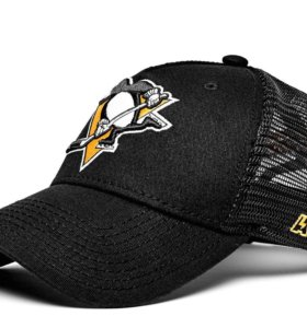 Бейсболка с символикой хоккейного клуба NHL
