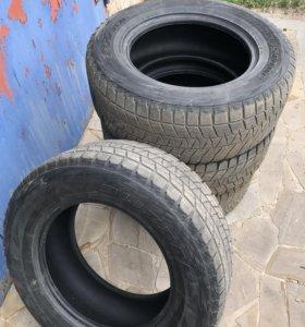 Продам шины Bridgestone Blizzak 285/60 R18 116R