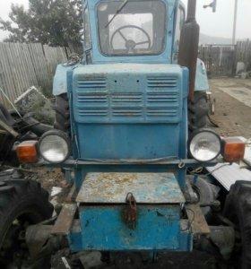 Продам трактор Т-40АМ,сегментная косилка,плуг.