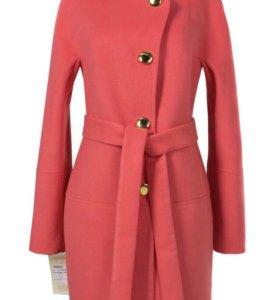 Новое пальто 44 размера