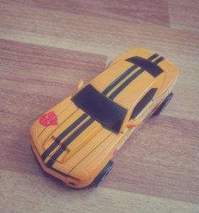 Машина-трансформер Bumblebee